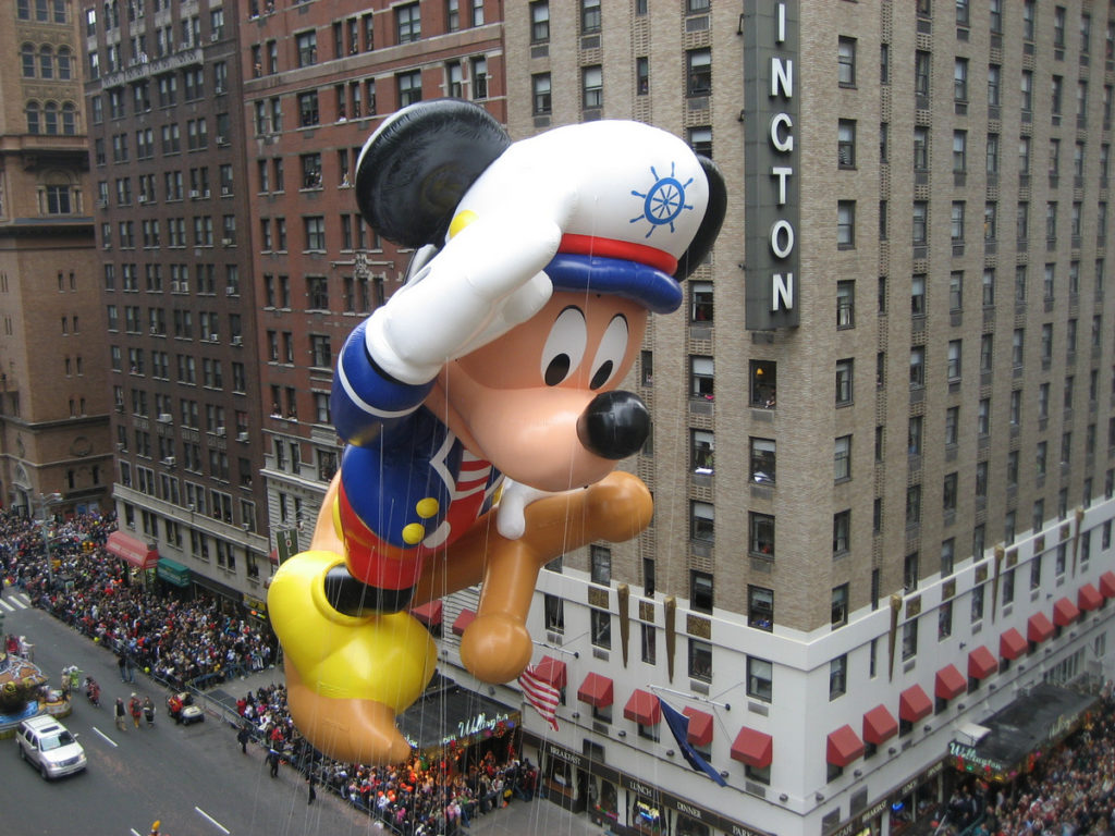 Mickey Mouse at the 2009 Macy's Thanksgiving Day Parade, by Musicwala