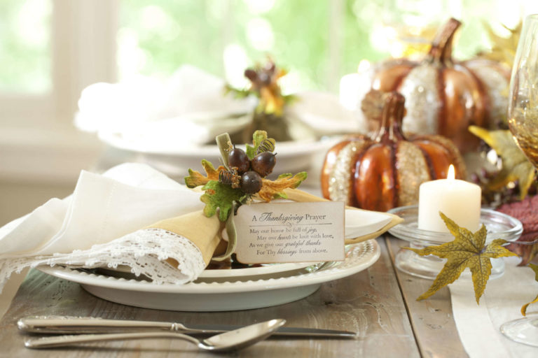 A Thanksgiving Prayer name card for your formal table | Thanksgiving.com