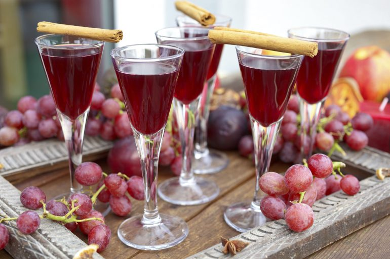 Red Grape Juice Cocktail | Thanksgiving.com
