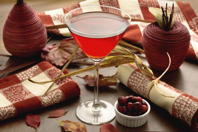Crantini cocktail for Thanksgiving | Thanksgiving.com