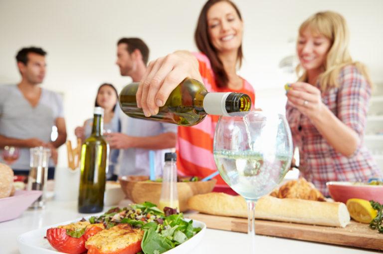 Friends Having Thanksgiving Dinner Party | Thanksgiving.com