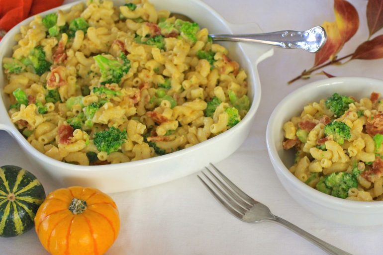 Broccoli and Bacon Mac Cheese for Thanksgiving side dish   Thanksgiving.com