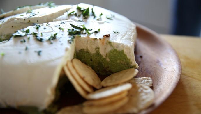 "Pesto ""cheese"" spread - vegan appetizer for Thanksgiving"