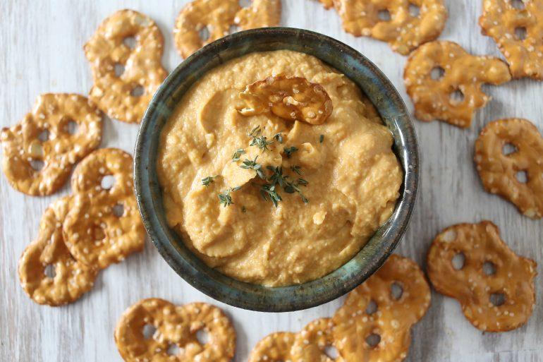 Garlicky Pumpkin Hummus makes a festive Thanksgiving appetizer | Thanksgiving.com