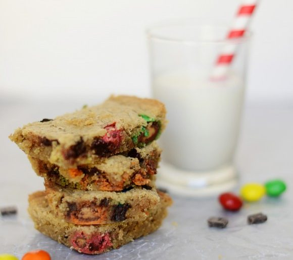 peanut butter bars with M&Ms