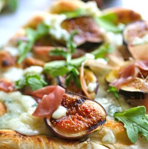 fig, blue cheese, prosciutto, and arugula pizza