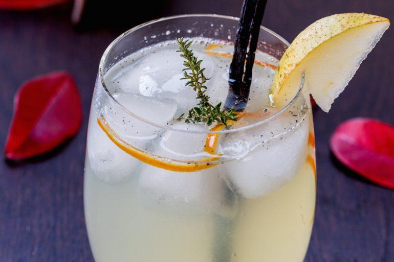 Vanilla Pear Rum Cocktail | Thanksgiving.com