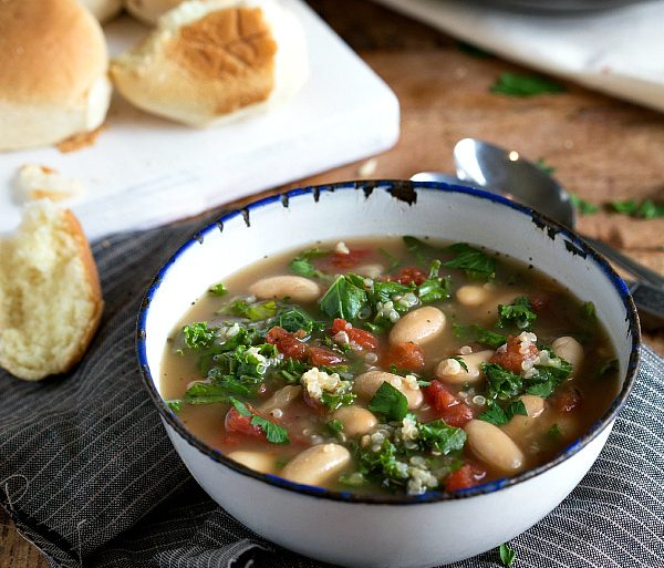 slow cooker quinoa white bean and kale soup