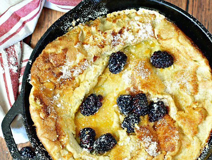 Skillet Puffy Berry Pancake