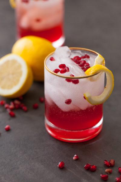 Cranberry pomegranate bourbon sparkler (2)
