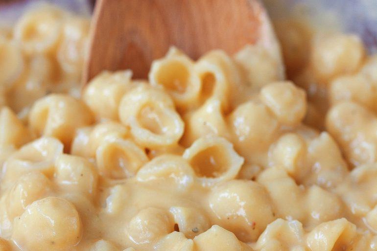 vegan cheese saauce with pasta