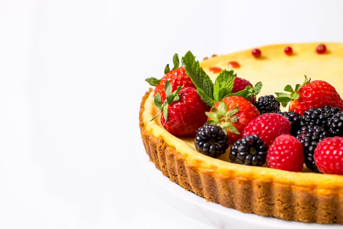 5D4B0496 - Holiday Cheese Tart with Strawberry Glaze