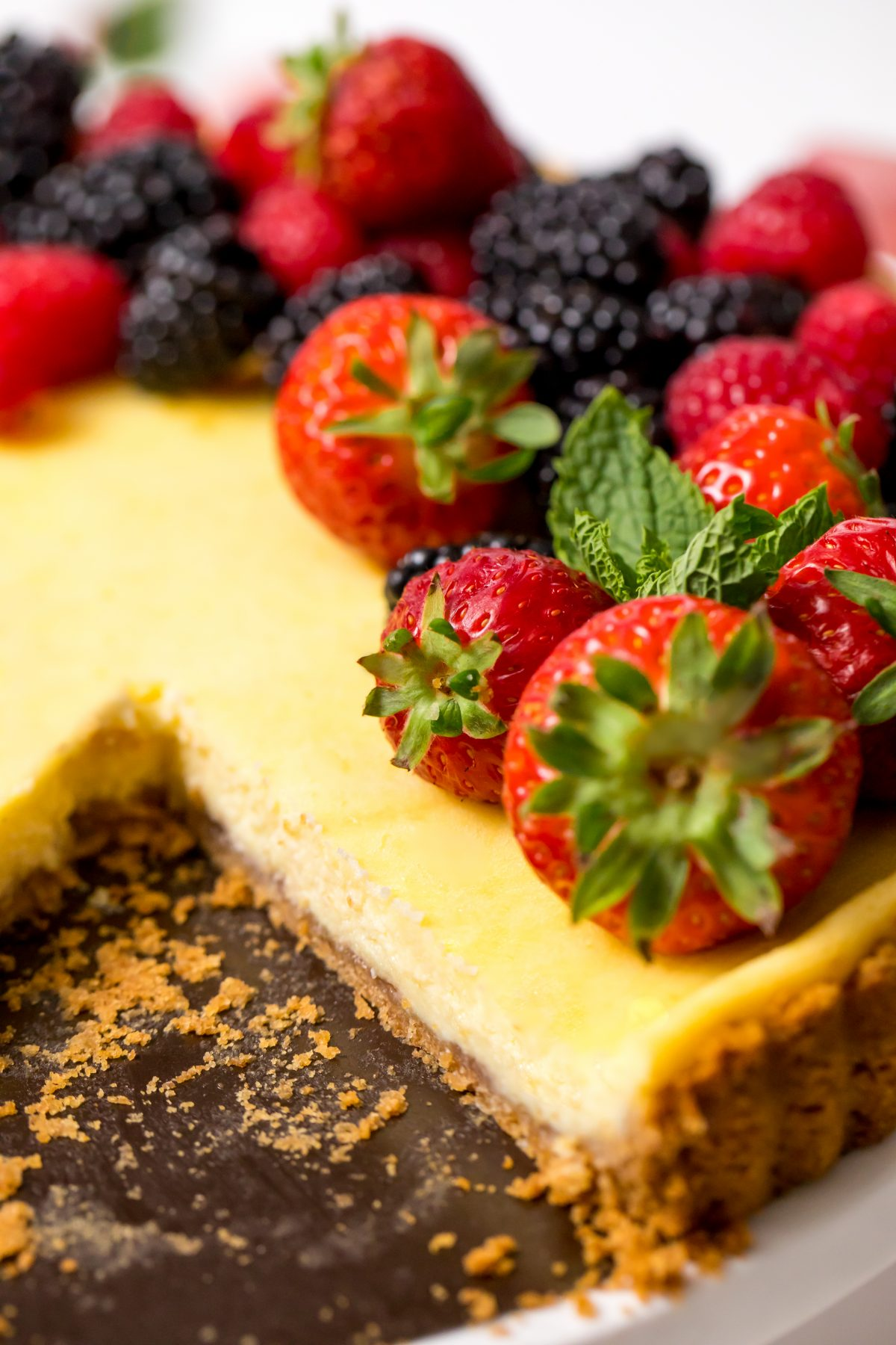 5D4B0743 - Holiday Cheese Tart with Strawberry Glaze