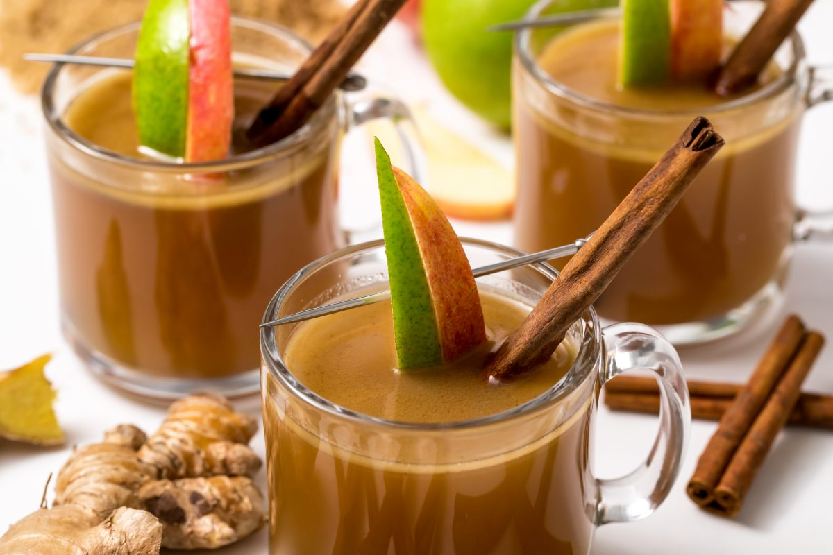5D4B2615 - Hot Apple Cider with Buttered Rum