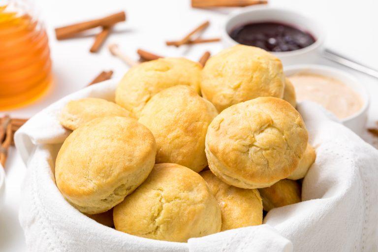 5D4B5510 - Grandmas Southern Buttermilk Biscuits