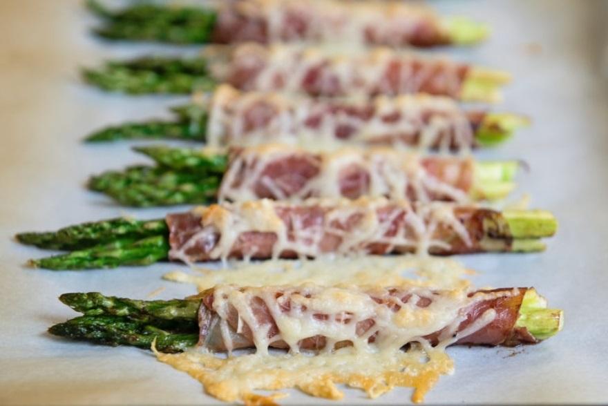 Keto-approved Friendsgiving menu cheesy prosciutto-wrapped asparagus bundles