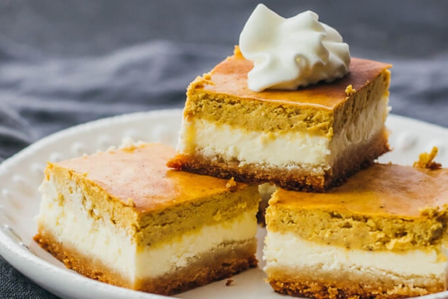 Keto-approved Friendsgiving menu low carb pumpkin cheesecake bars