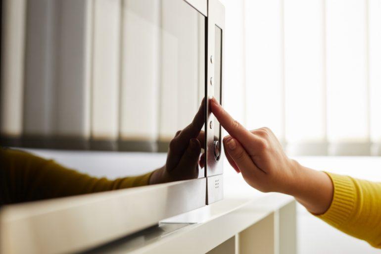 microwave-friendsgiving-leded (1)