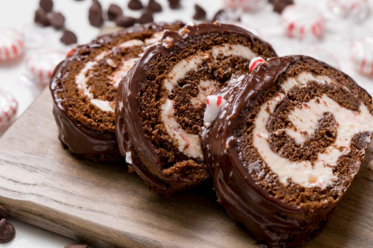 5D4B6090 - Chocolate Peppermint Cake Roll