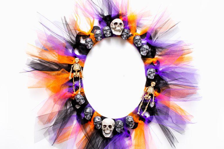 5D4B6235 - Crafty Chica - Spooky Skull Wreath