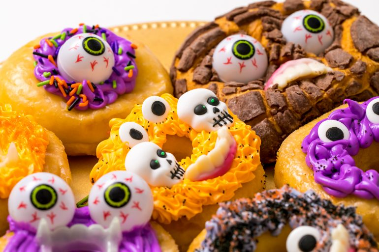5D4B6564 - Crafty Chica - Monster Donuts