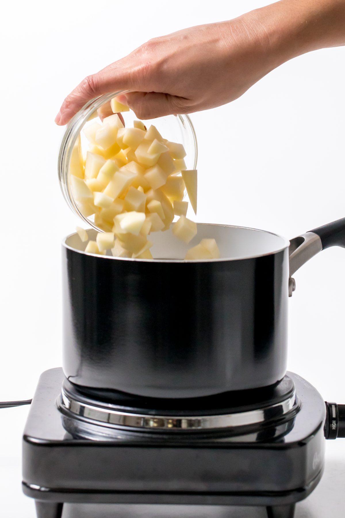 5D4B9241 - Vegan sundried tomato Parmesan knots - Steam the diced potatoes