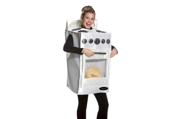 Pregnancy costume ideas bun in the oven