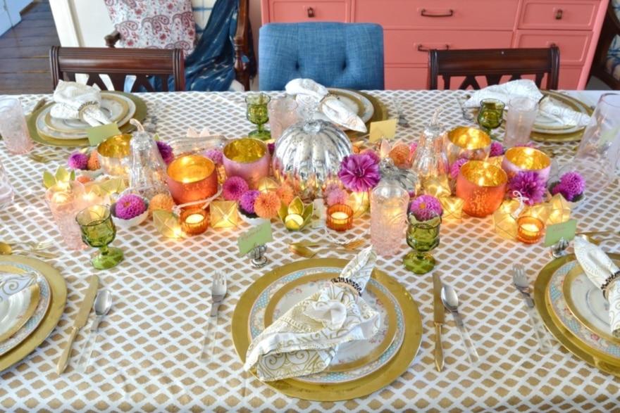 Pinterest-worthy Friendsgiving tablescape