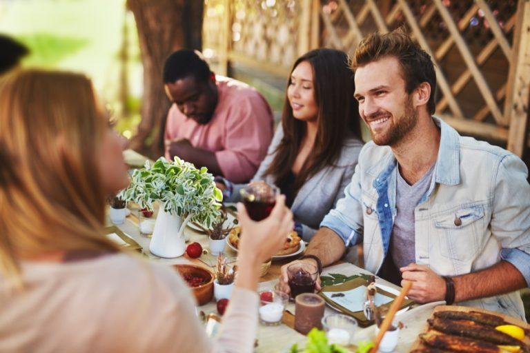 Friendsgiving planning checklist