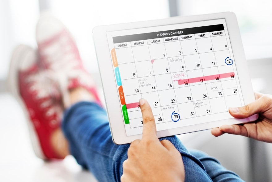To resolve or not to resolve calendar planning