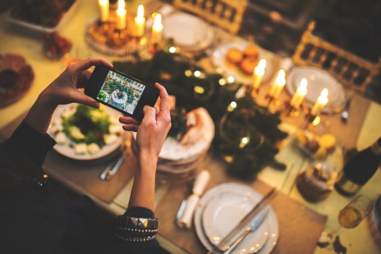 Pinterest-worthy Friendsgiving table