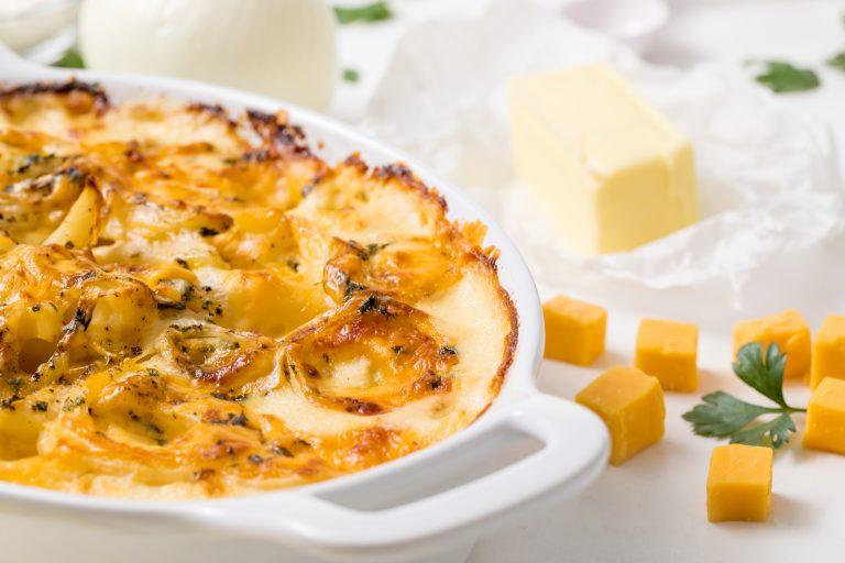 5D4B2001 - Cheesy Holiday Potatoes