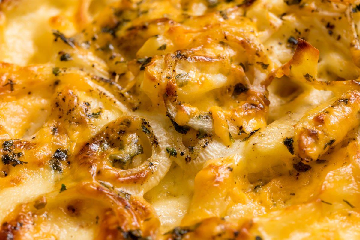 5D4B2014 - Cheesy Holiday Potatoes