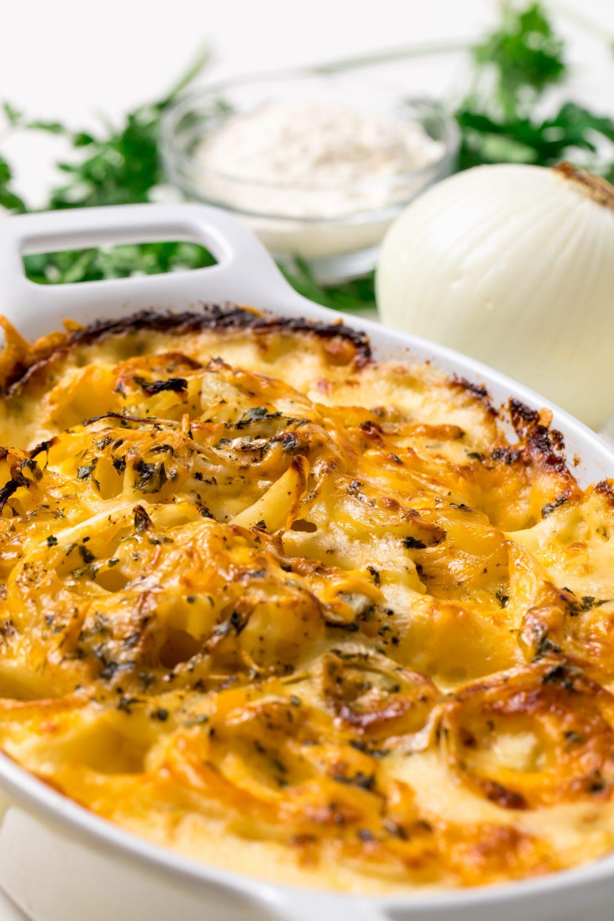 5D4B2019 - Cheesy Holiday Potatoes