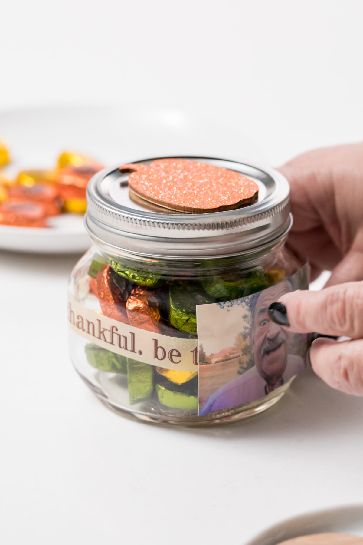 5D4B4675 - Thanksgiving Candy Jars - Decorate the jar