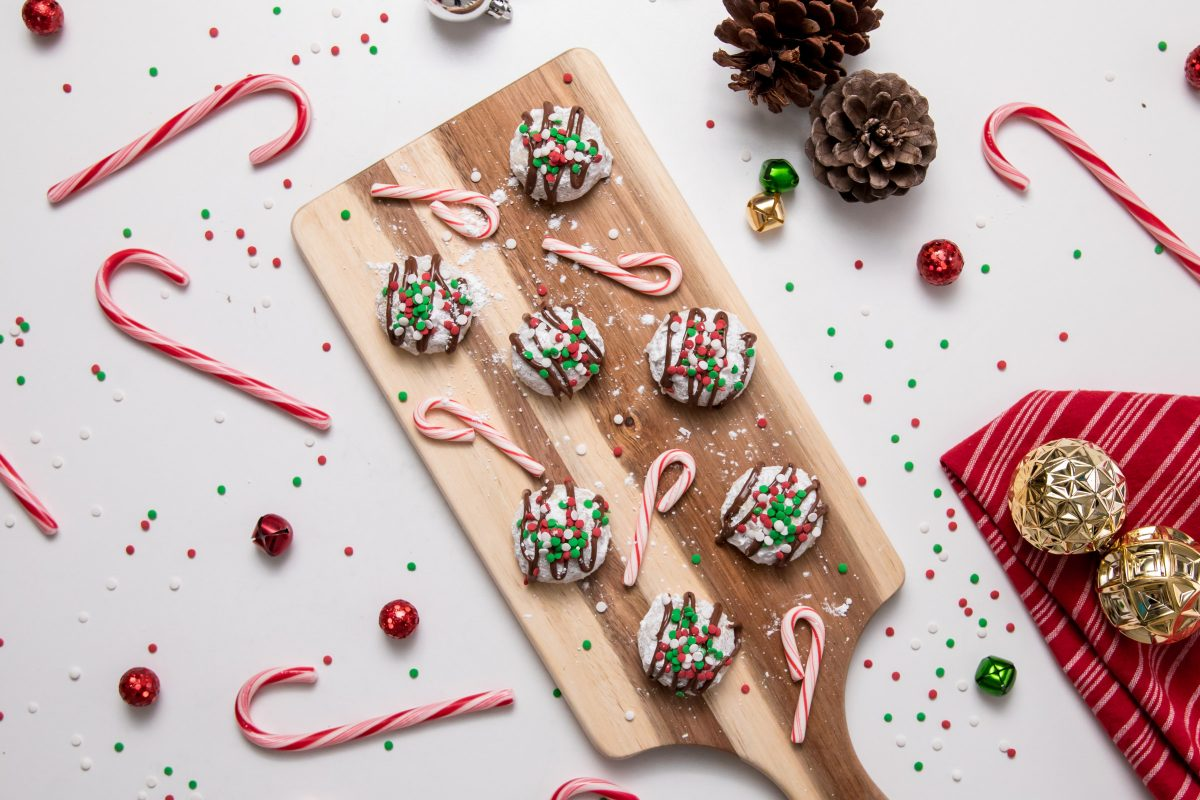5D4B5581 - Chocolate Covered Snowball Peppermint Cookies