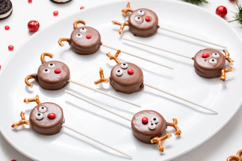 5D4B7139 - Reindeer Oreo Pops
