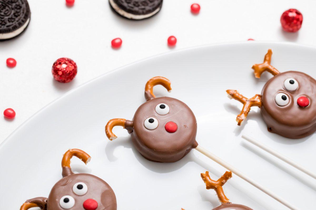 5D4B7154 - Reindeer Oreo Pops