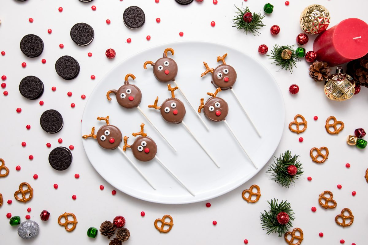 5D4B7241 - Reindeer Oreo Pops