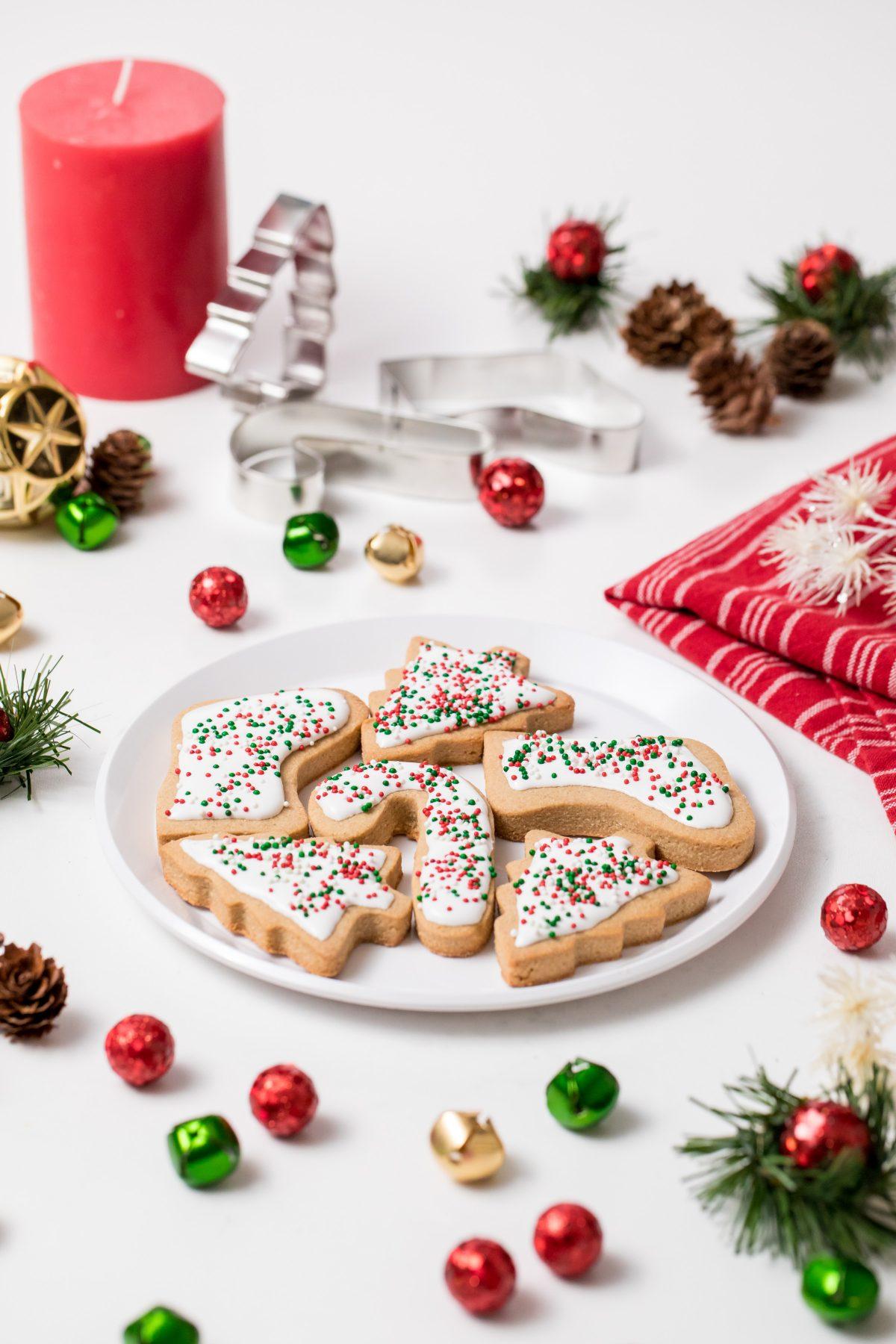 5D4B7423 - Vegan Gluten-Free Iced Holiday Shortbread Cookies