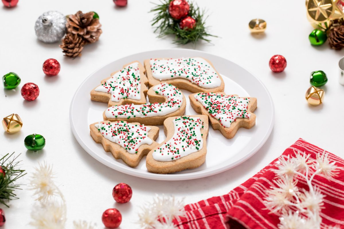 5D4B7434 - Vegan Gluten-Free Iced Holiday Shortbread Cookies