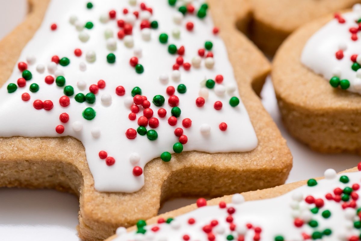 5D4B7484 - Vegan Gluten-Free Iced Holiday Shortbread Cookies