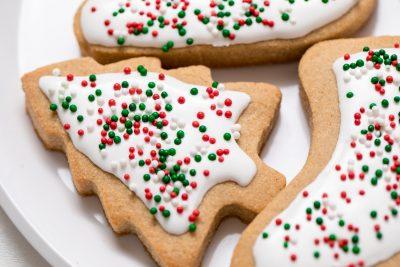 5D4B7487 - Vegan Gluten-Free Iced Holiday Shortbread Cookies