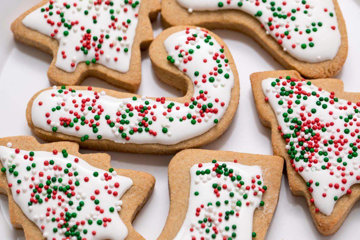 5D4B7491 - Vegan Gluten-Free Iced Holiday Shortbread Cookies