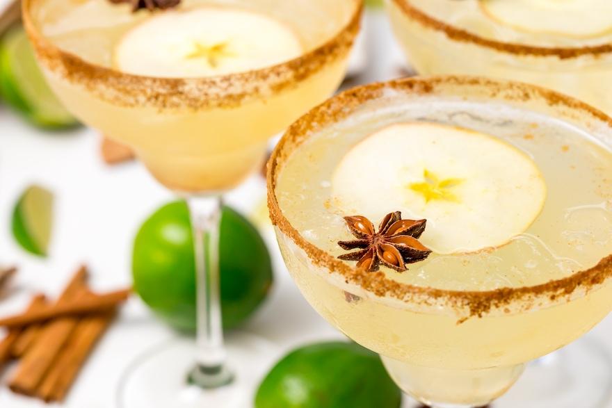 5D4B7512-Vegan-Spiced-Apple-Margaritas