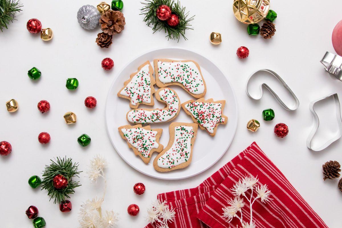 5D4B7525 - Vegan Gluten-Free Iced Holiday Shortbread Cookies