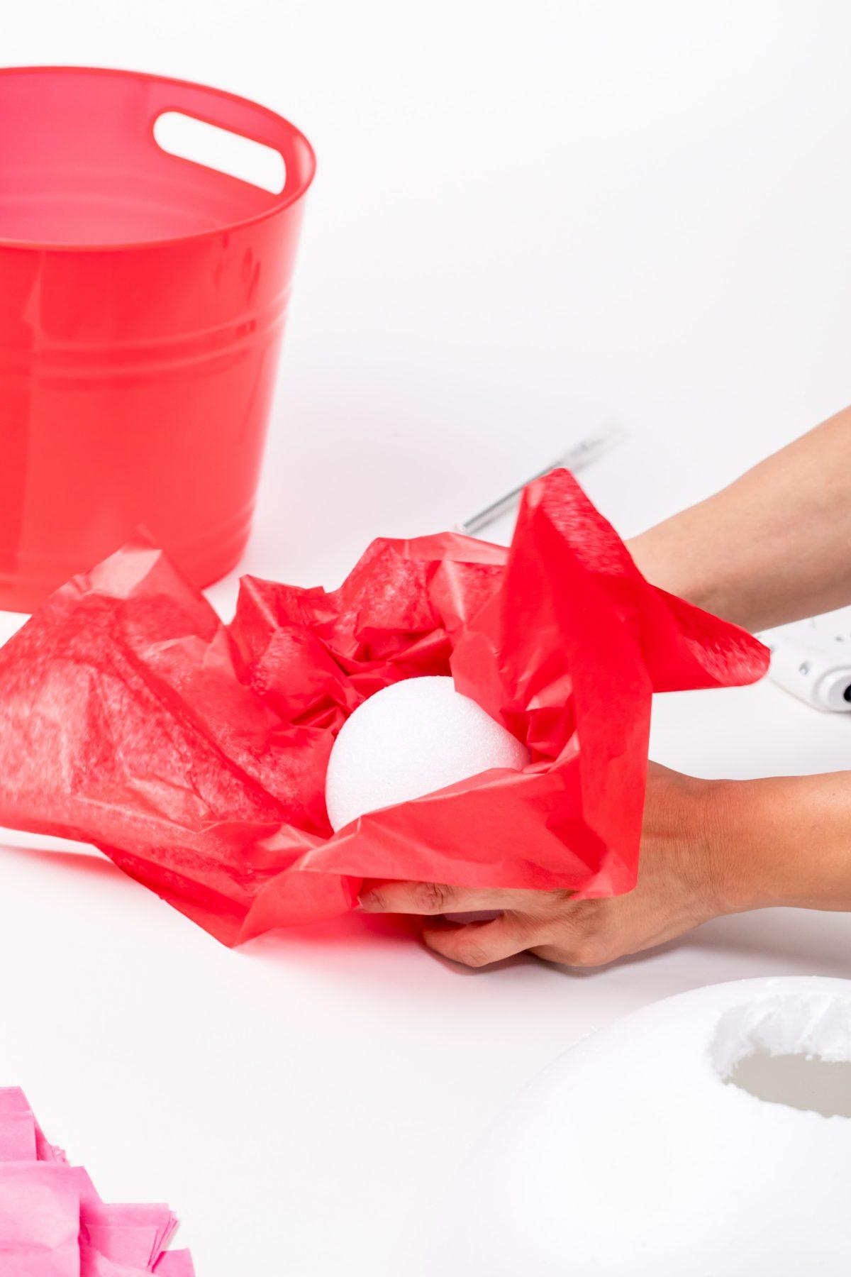 5D4B8107 - Cupcake Valentine Day Box - Wrap styrofoam ball
