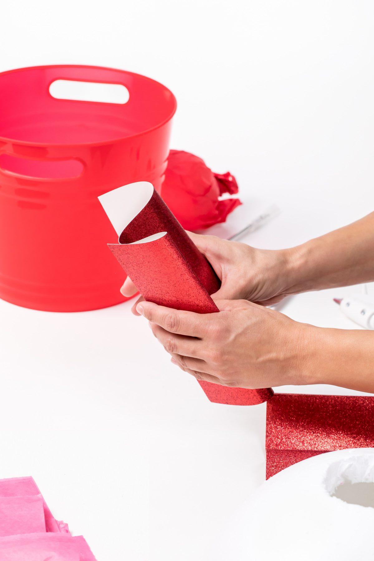 5D4B8130 - Cupcake Valentine Day Box - Fold paper
