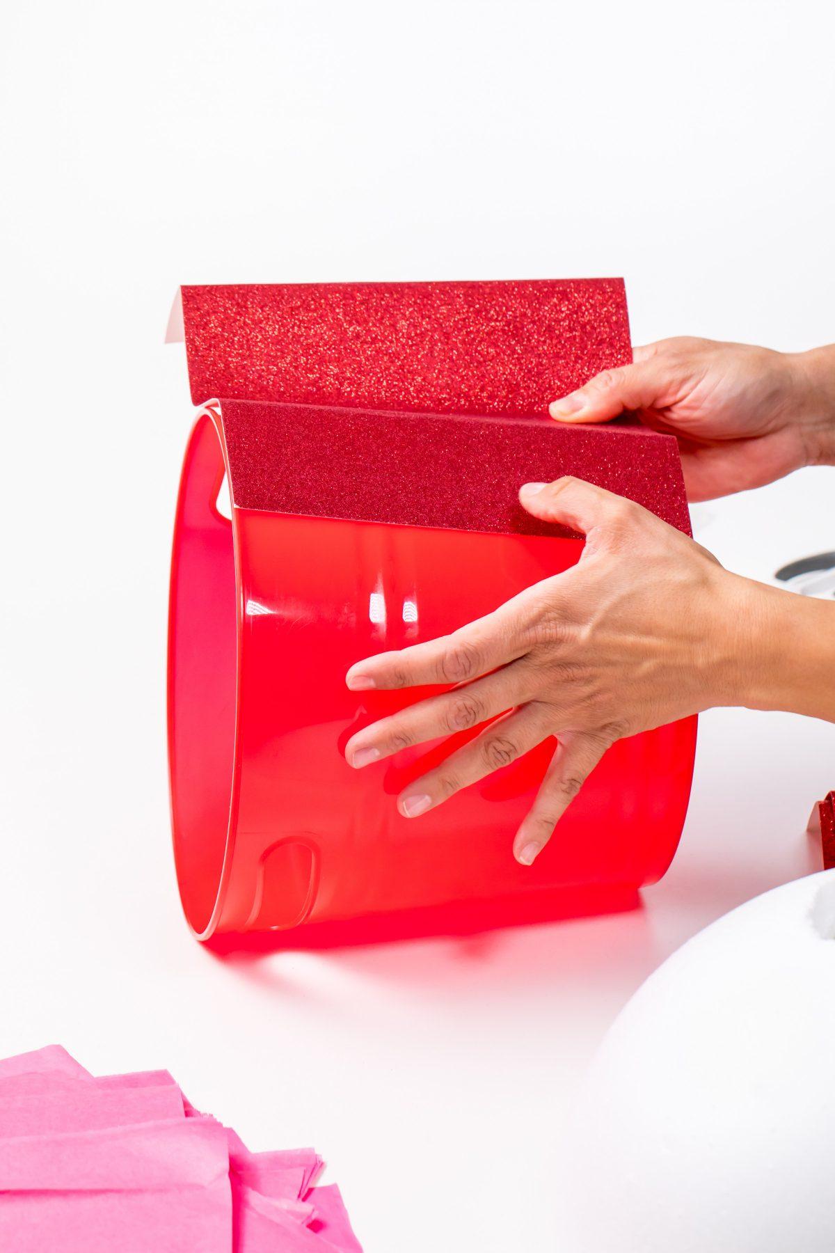 5D4B8160 - Cupcake Valentine Day Box - Add glue