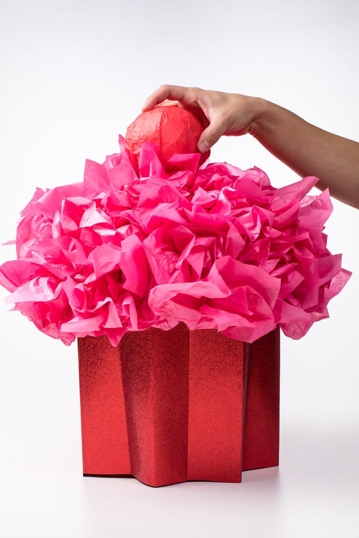 5D4B8230 - Cupcake Valentine Day Box - Finish cupcake